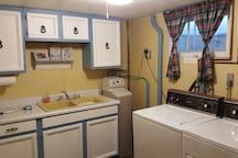 Kitchen/Washroom