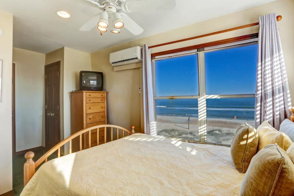 Guest Bedroom - watch the sunrise from your bed!