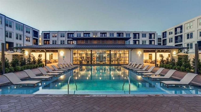 The Upscale Luxury Stay
