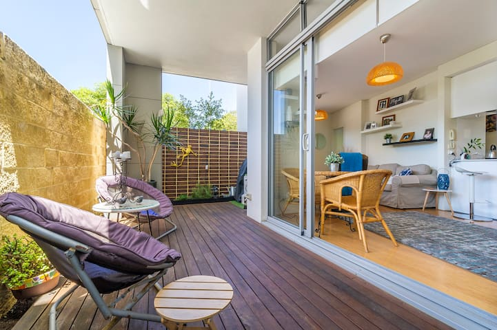 PERTH STUNNING QUIRKY APARTMENT - GREAT LOCATION - North Perth - Appartement