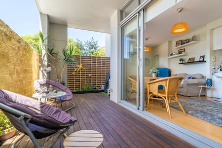 PERTH STUNNING QUIRKY APARTMENT - GREAT LOCATION - North Perth