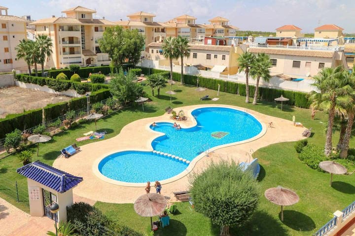 Cosy Penthouse 150m from Sandy Beach of La-Mata