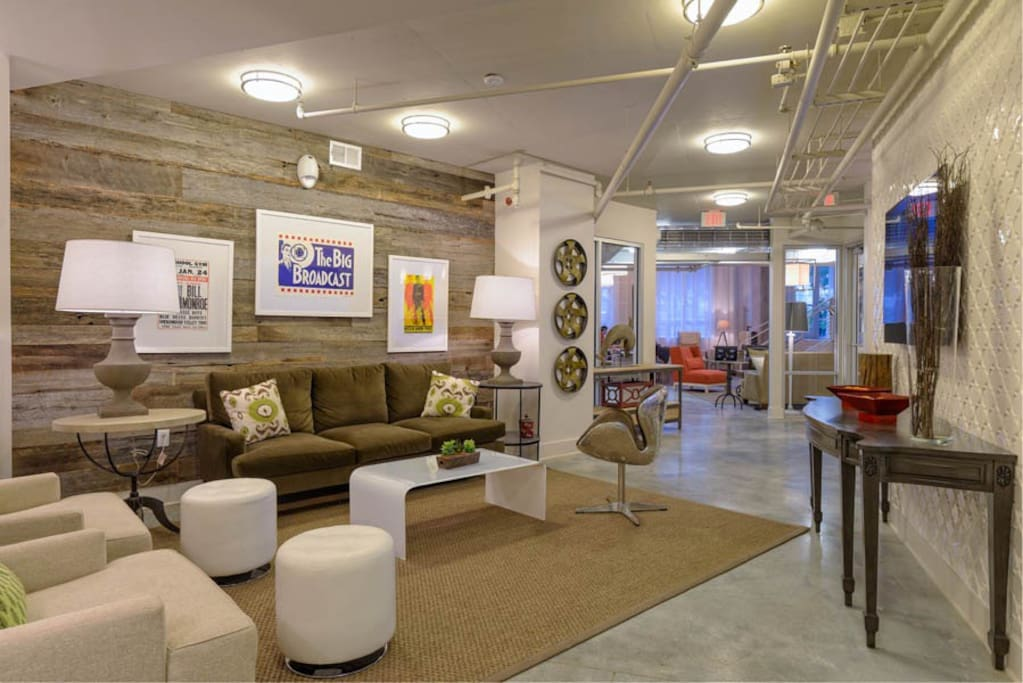 Awesome wifi lobby areas with free coffee and wifi!