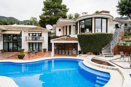 Extravagant Spanish Architecture Ocean View Villa