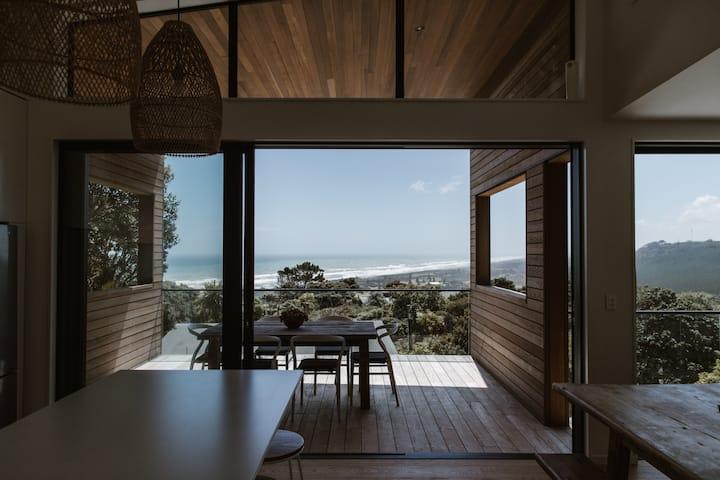Stunning Muriwai Home