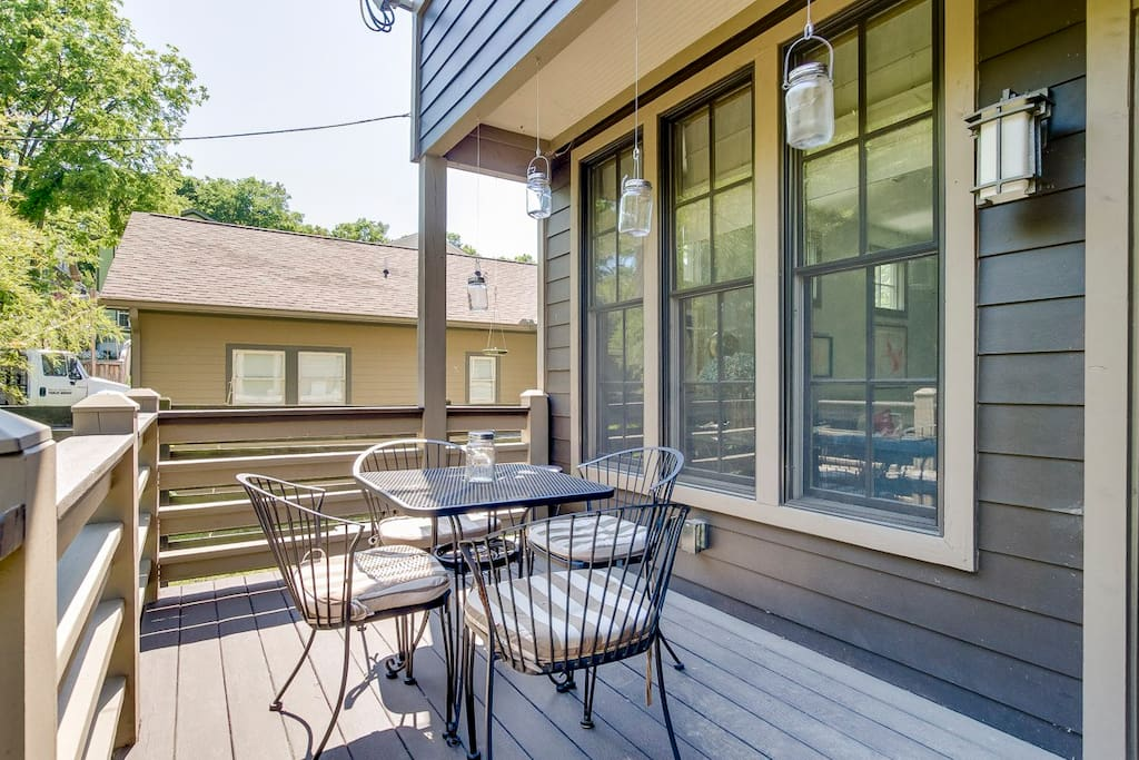 Relax on the back deck with outdoor seating for 4