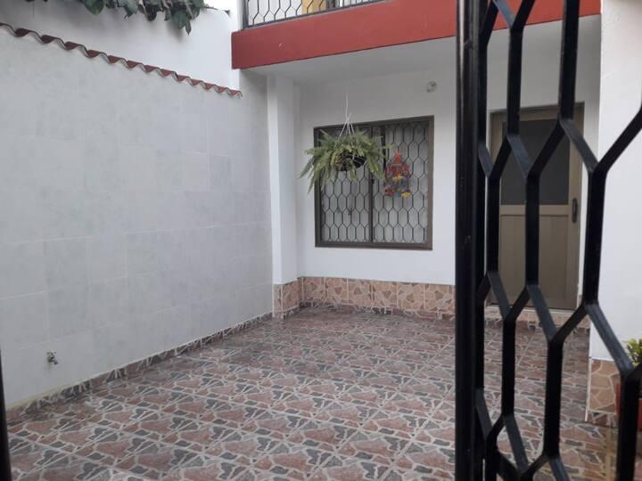 Hermosa casa de 3 pisos en Tolú