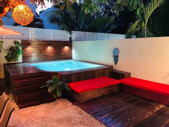 Relaxing home with PRIVATE POOL / AC / 6 people
