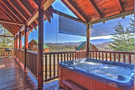 2BR Pigeon Forge Cabin w/ Private Hot Tub! - Pigeon Forge - Stuga