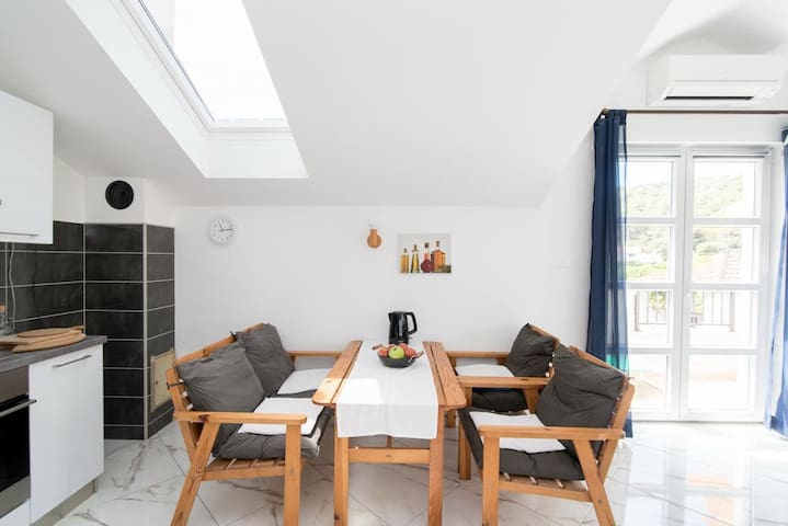 Apartment Mare- Lovely 1BD with Garden View