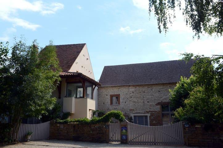 """Maison avec piscine """"Le Foineau"""""""