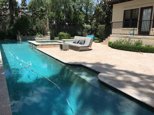 Luxury pool house with large pool & spa