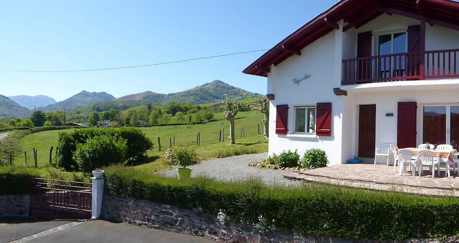 villa individuelle à 1,5km de St-Jean-Pied-de-port