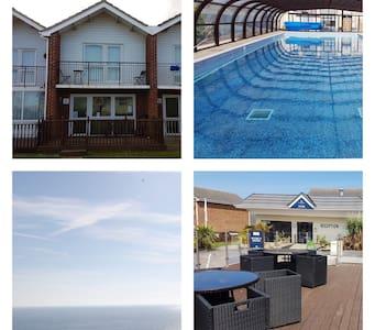 Villa 19, Waterside Park, Corton. 3 Bedrooms, WiFi