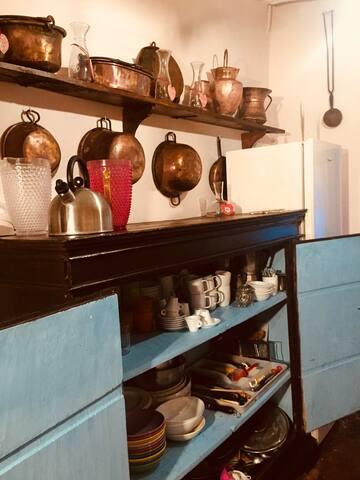 Kitchen chest armadio con piano di appoggio superiore cucina