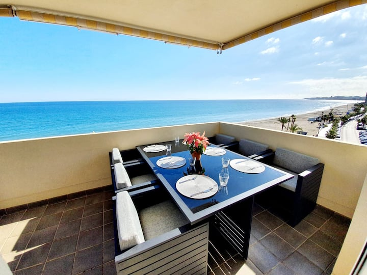 Front Row Penthouse Apartment on Carvajal Beach