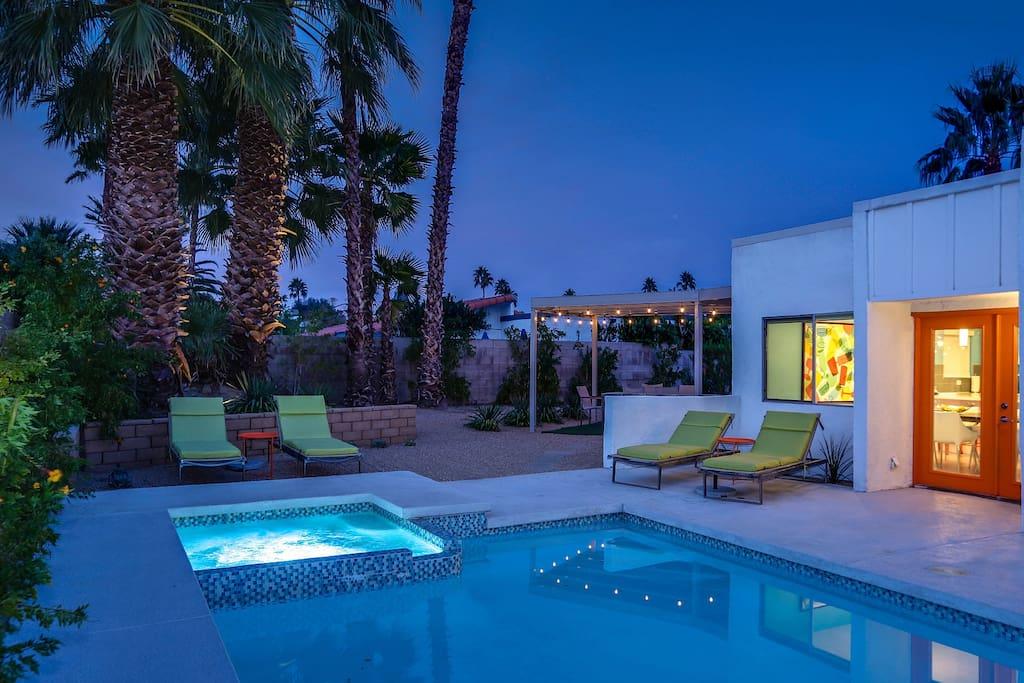 The Sunshine Lounge