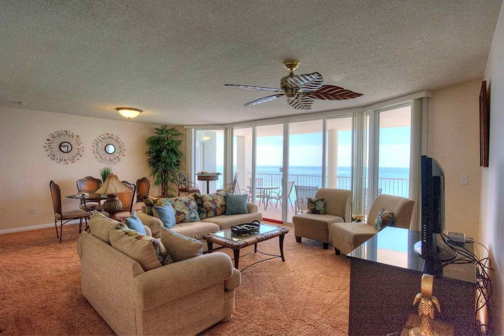 Beautiful spacious living room with gulf view