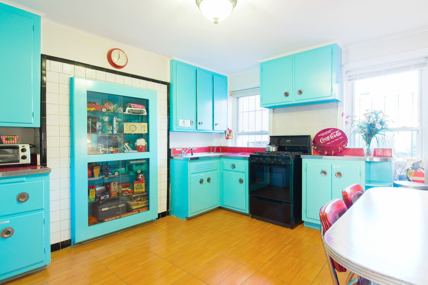 Our authentic 1950's kitchen!