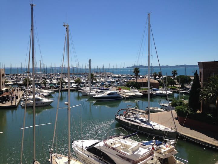 Hyères Port, Vue mer panoramique, Plage à 100m