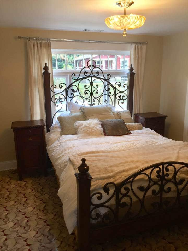 Historic Home Near Downtown: Anne's Room