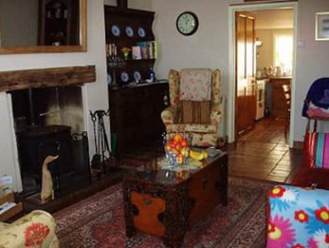 Cosy Cottage perfect for Norfolk Coast holidays.