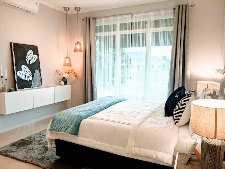 3BR Cozy House @ Suvarna Sutera - The Helios