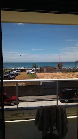 Amplo apartamento frente mar Praia Brava