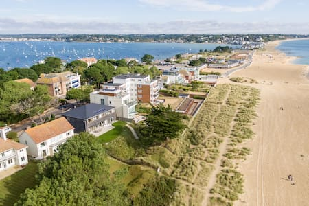 Hook Sands - Beachfront Sandbanks Superhome for 14