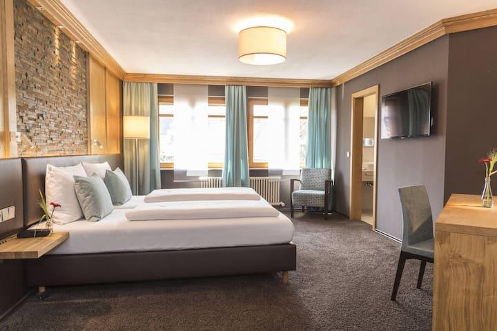 Hotel Becher, (Donzdorf), Doppelzimmer Komfort mit Dusche und WC