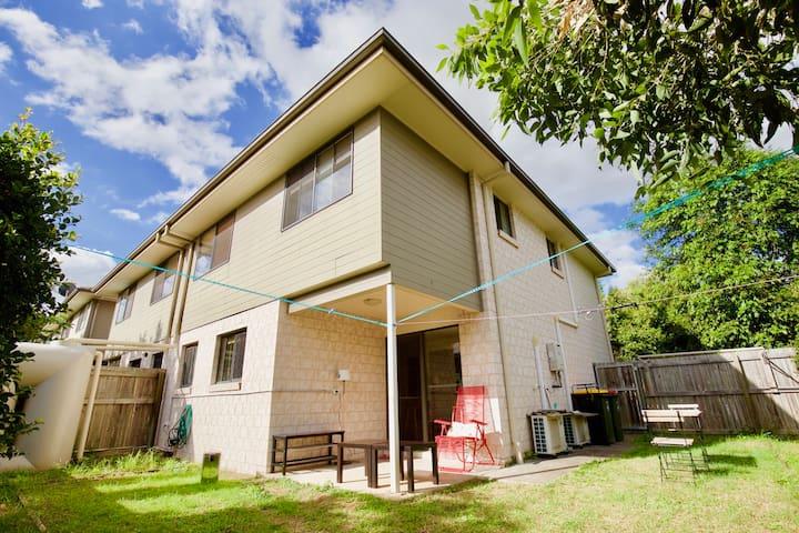 Sunnybank Hills cosy room/單雙人房/シングル/싱글 / 더블 룸 - Sunnybank Hills - Rivitalo