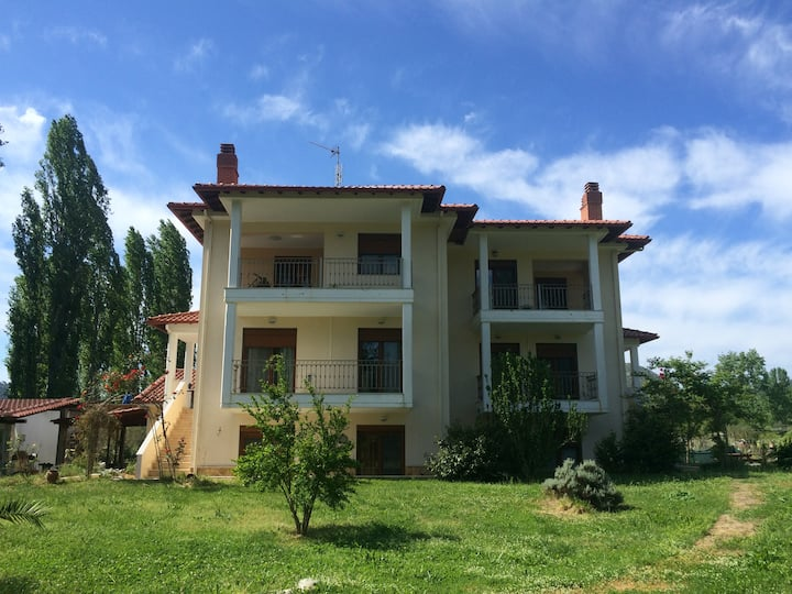 Luxurius comfortable 2-floor apartment near Sea