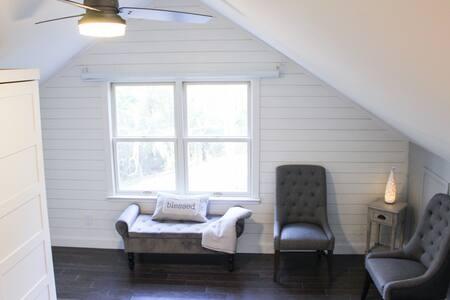 White Pickett District Loft