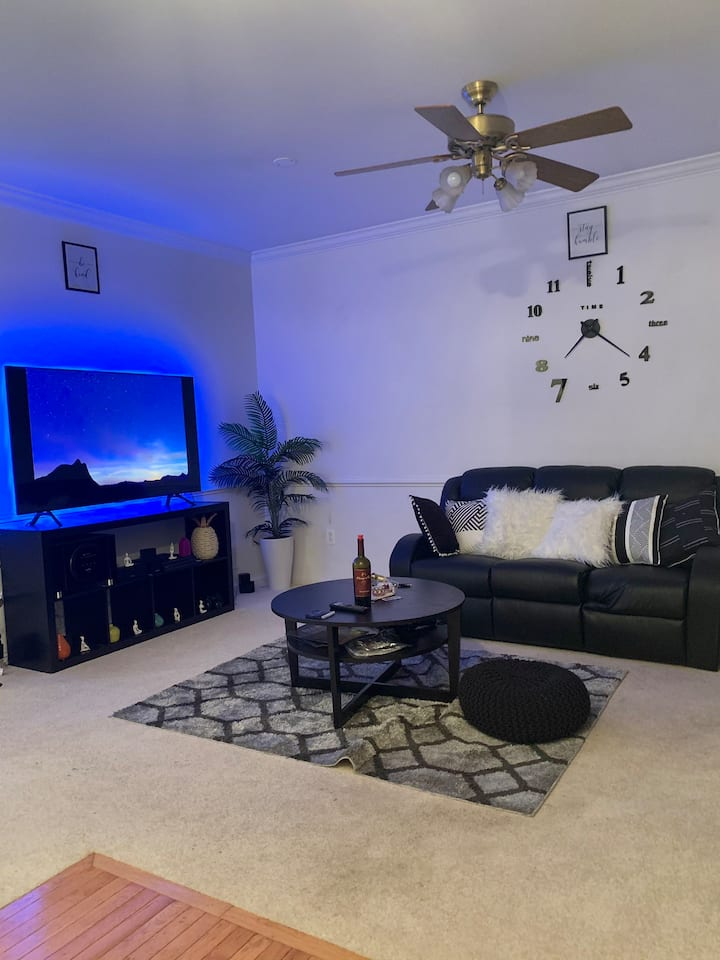 Beautiful private room for short stay