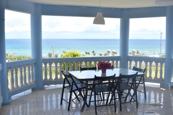 Stuning Ocean View & Beach - 2Big BR House.