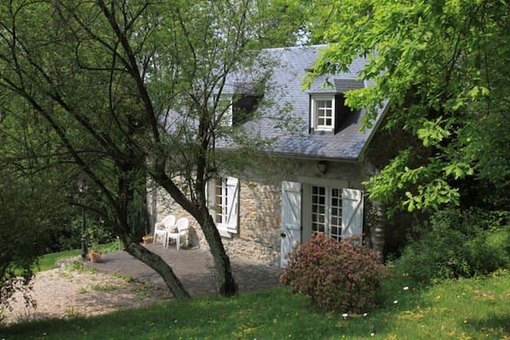 Maison de Liloye face aux Pyrénées - Ordizan - Hus