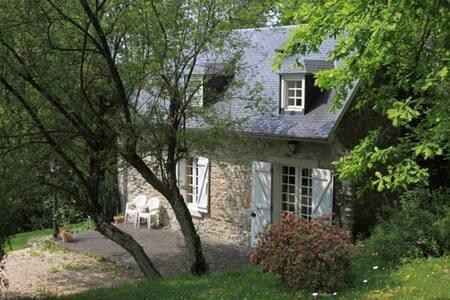 Maison de Liloye face aux Pyrénées - Ordizan