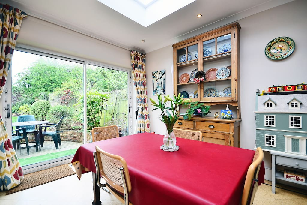 Lovely room in North London by tube