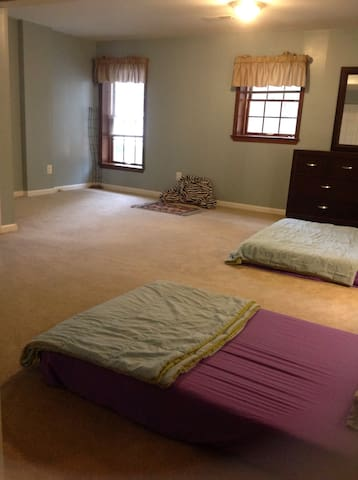 Spacious,Comfortable , Beautiful Room - Woodbridge - Hus