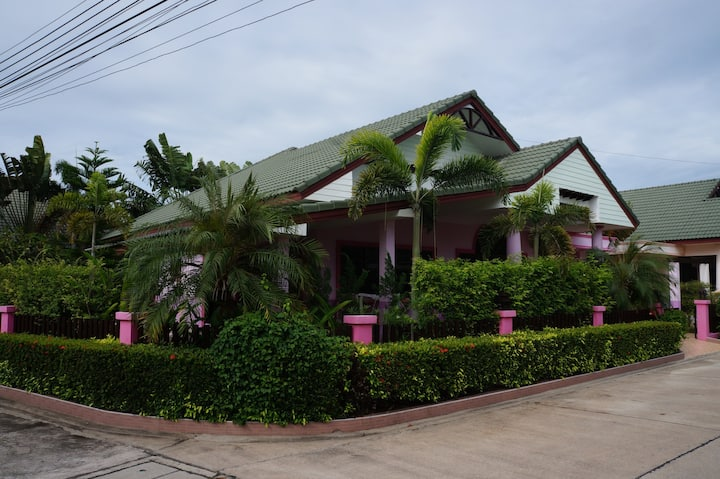 House 4 bd  gated village Pattaya