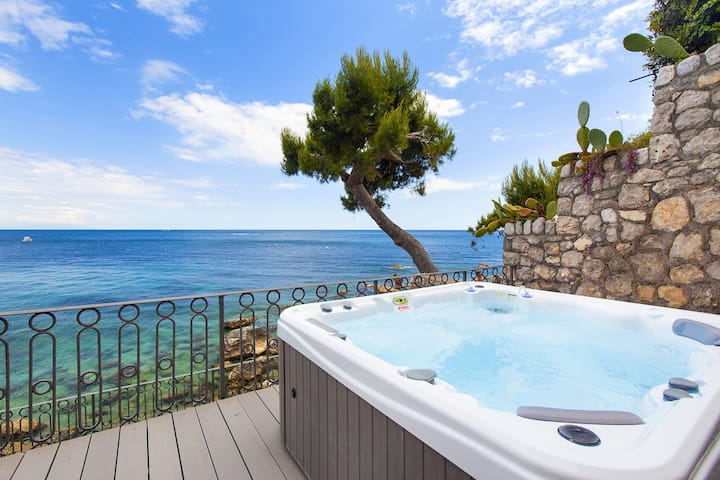 AMORE RENTALS - Casa Giovanna B with Terraces, Jacuzzi, Sea View and Direct Sea Access