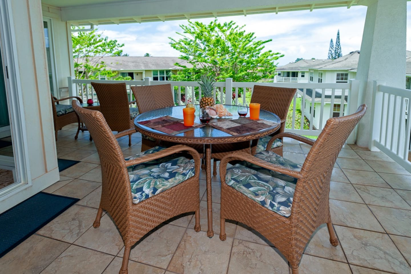 Relax and enjoy the cool ocean breeze on the lanai of Plantation 1322