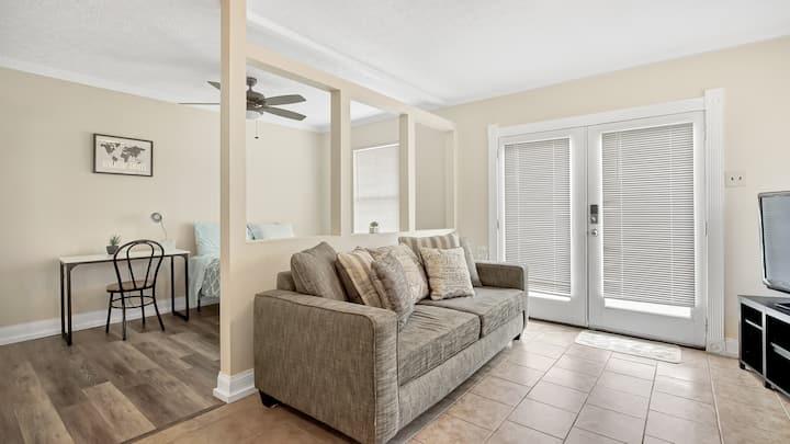 Cozy Guest Suite in Lynn Haven, FL