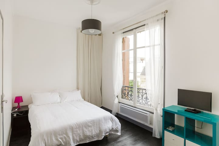 Entire apartment at Beaubourg, quiet near Marais