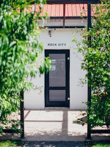 Rock City House at Corte del Norte - Marfa