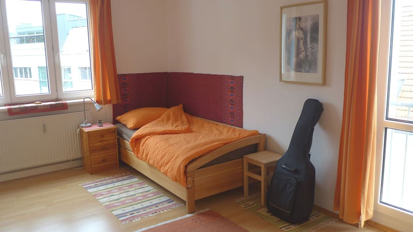 either with single bed....