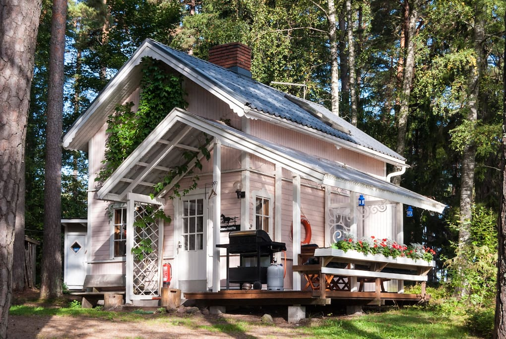 Find Places to Stay in Littoinen on Airbnb
