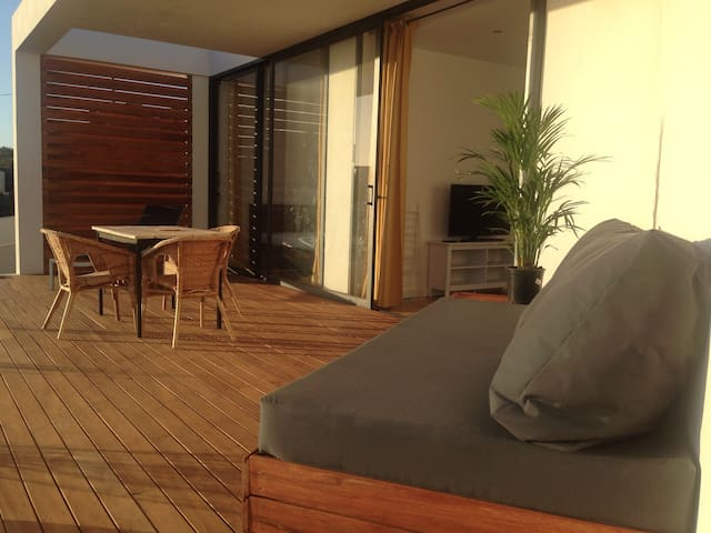 Villa Aya- Modern, south facing, lots of sun!