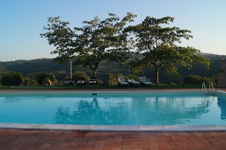 Villa with swimming pool in Todi - Asproli - Huvila