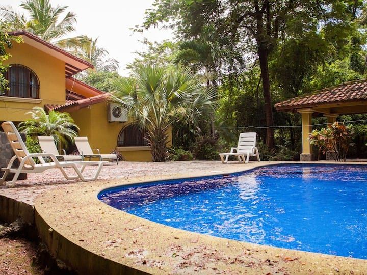 Enjoy in Family Close to the Beach! - CASA AMARILLA